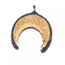 Wooden Pendant Horn With Strass 54x64mm