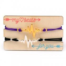 Wooden Card 85x50mm w/ 2 Bracelets Set Heartbeat
