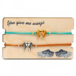 Wooden Card 85x50mm w/ 2 Bracelets Set Angel Wings