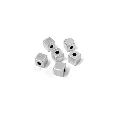 Cube en Métal/Laiton, 6x6x6mm (Ø 2.6mm)