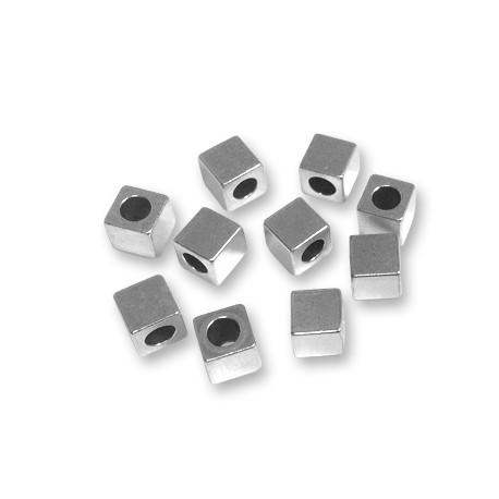 Cubetto Distanziatore in Ottone 6x6x6mm (Ø 3.7mm)