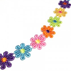 Κορδέλα Συνθετική με Λουλούδια 25mm (~3γιάρδες/πακέτο)