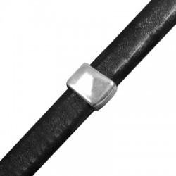 Μεταλλική Ζάμακ Χυτή Χάντρα Κύβος Περαστός 10,8x13,6mm (Ø 7x10mm) (για Δέρμα Regaliz)
