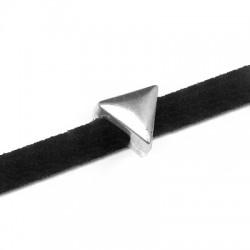 Μεταλλικό Ζάμακ Στοιχείο Τρίγωνο Περαστό 7mm (Ø3.2x2.2mm)