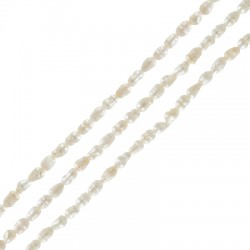 Perla d' Acqua Dolce (~2.5x3mm) (Ø1mm) (~62pz/filo)